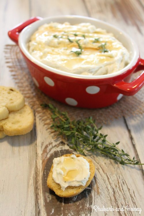 Whipped Garlic Thyme Goat Cheese Spread {Rhubarb and Honey} #FreshTastyValentines